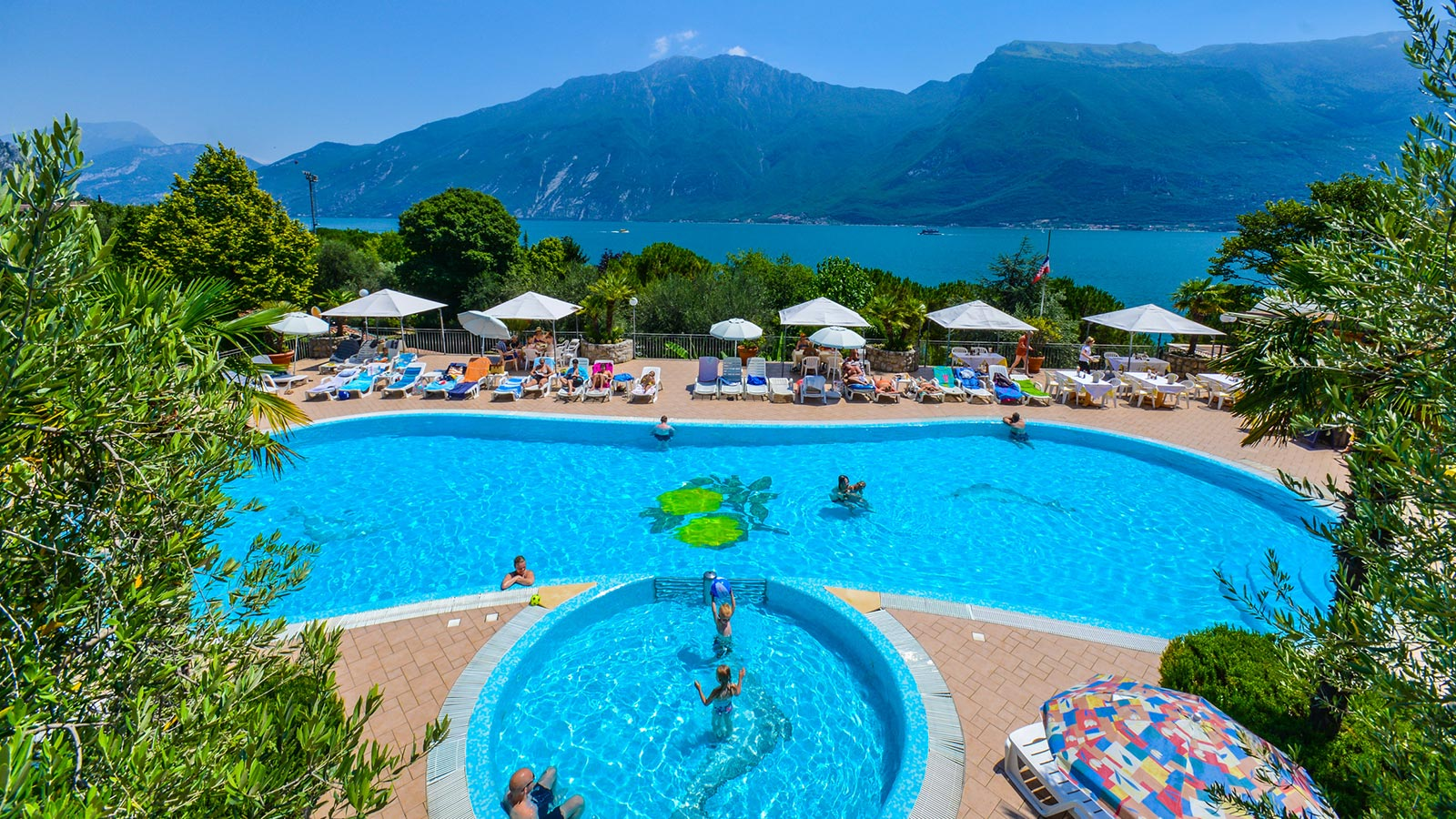 Pool party at Campeggi limone sul Garda park